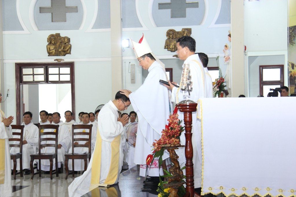 Dòng Giáo Sĩ Thừa Sai Đức Tin: Thánh Lễ Truyền Chức Linh Mục