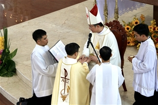 Gp. Phú Cường: Thánh Lễ Truyền Chức Linh Mục
